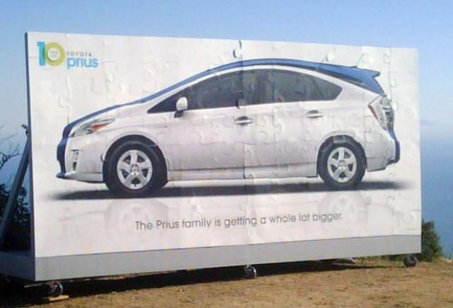 Prima imagine cu Toyota Prius minivan