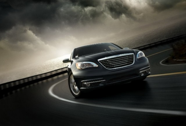 Noi imagini cu noul Chrysler 200!