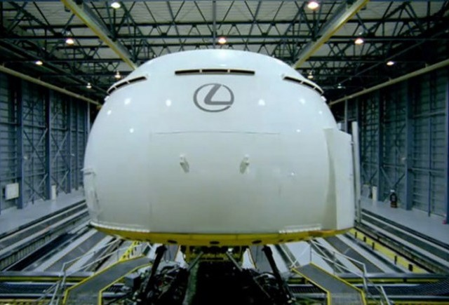 VIDEO: Lexus prezinta cel mai tare simulator auto
