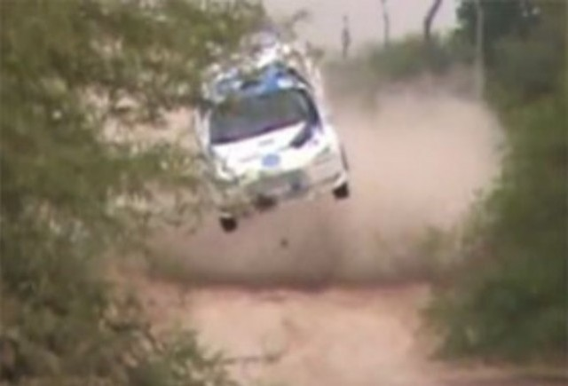 VIDEO: Un Mitsubishi Evo X, distrus in Raliul Transchaco