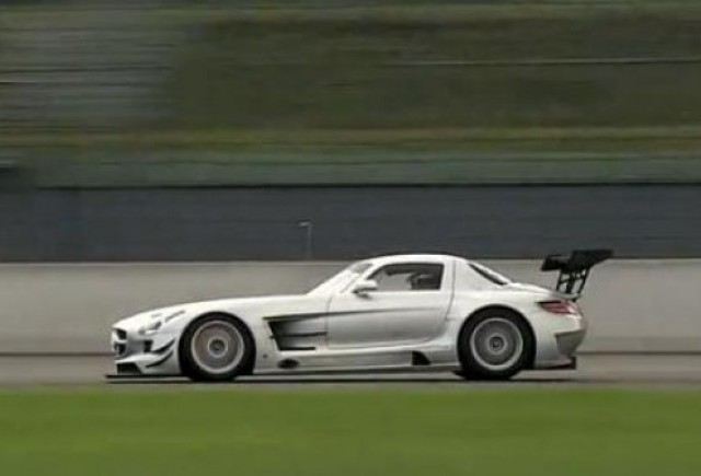 VIDEO: 21 de minute cu Mercedes SLS AMG GT3 pe circuit
