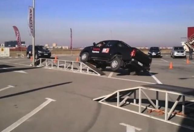 VIDEO: Modelele Hilux si Land Cruiser la Toyota Experience
