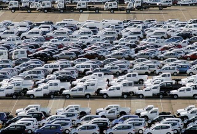 Piata auto italiana in scadere