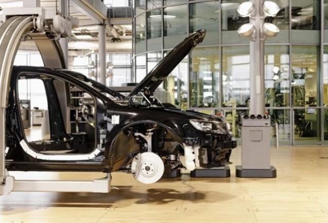 VIDEO: Iata interiorul fabricii Volkswagen din Dresden!
