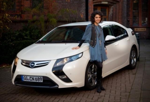 Cantareata Katie Melua este noul brand ambassador Opel