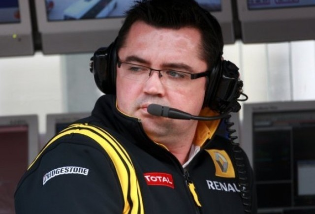 Renault tinteste podiumul constructorilor in 2011
