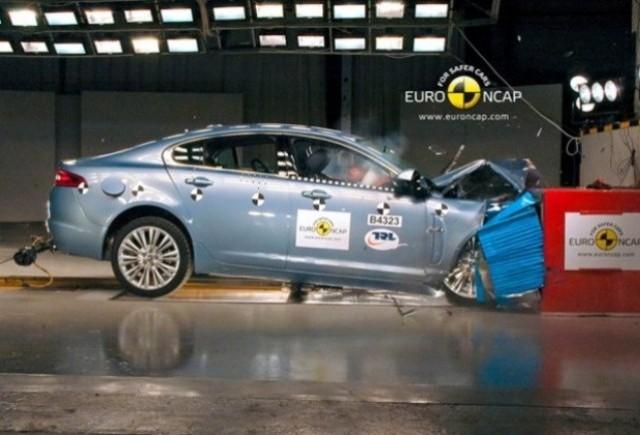 Jaguar va imbunatati gradul de siguranta al modelului XF