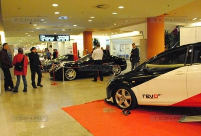 Doua superbe Ferrari si alte autoturisme, prezente la Automotive Business Show
