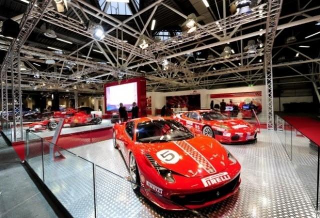 Noul Ferrari 458 Challenge debuteaza la Bologna