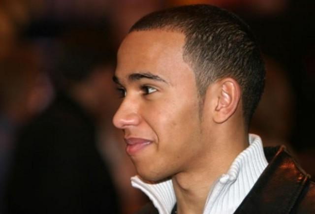 Hamilton da vina pe problemele personale