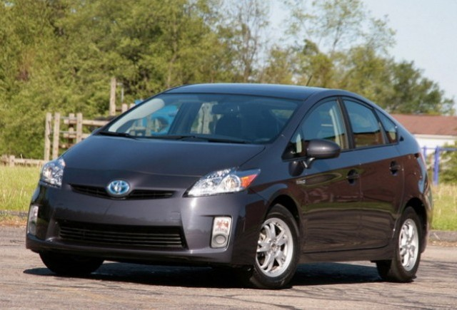 Prius devine masina fanion din oferta Toyota