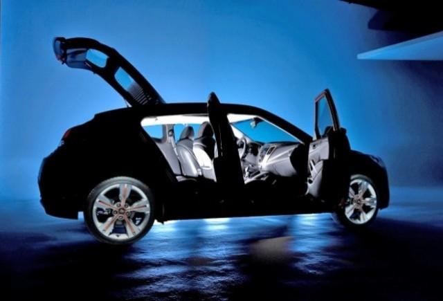 Iata noul teaser Hyundai Veloster!