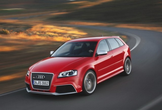 VIDEO: Audi RS3, privit de mai aproape