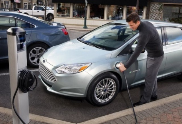 OFICIAL: Noul Ford Focus electric se prezinta!
