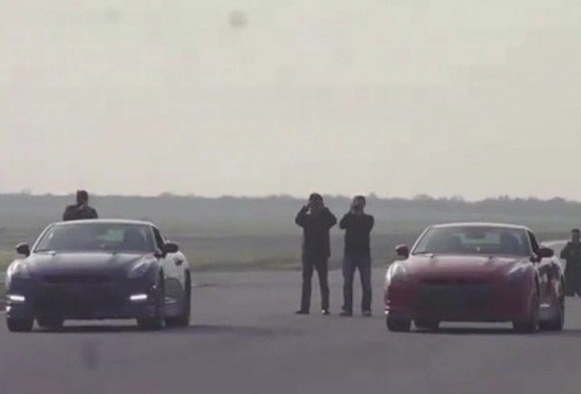 GALERIE VIDEO: Nissan GT-R 2011 vs Nissan GT-R 2010