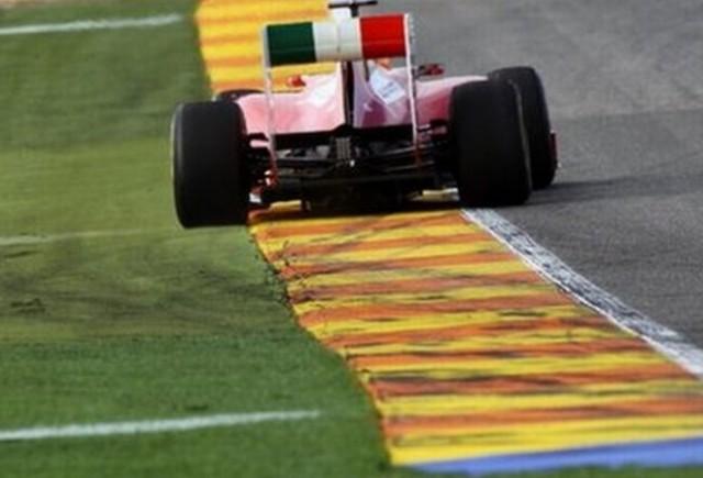Alonso conduce la Valencia