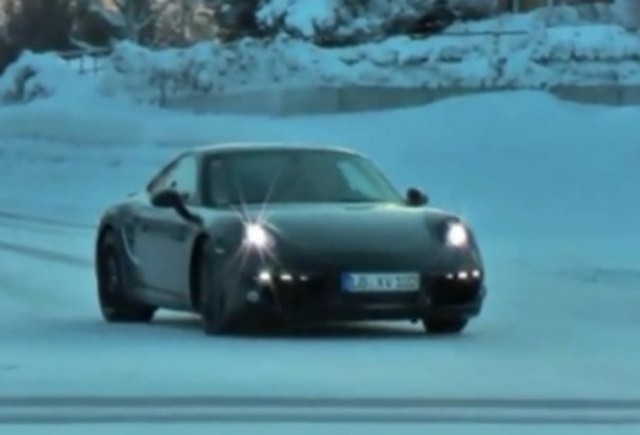 VIDEO: Noul Porsche 911 surprins in Suedia