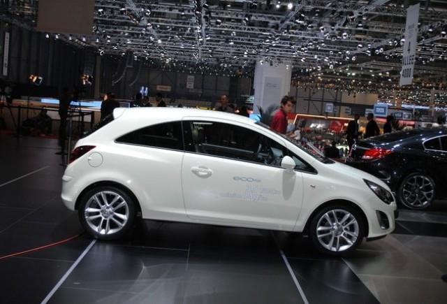 GENEVA LIVE: Standul Opel