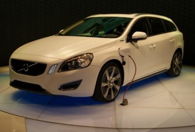 GENEVA LIVE: Noul Volvo V60 Hybrid