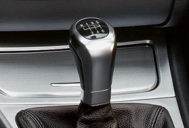 Noul BMW M5 va pastra transmisia manuala