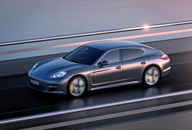 Porsche Panamera S Turbo, prezentat mai devreme
