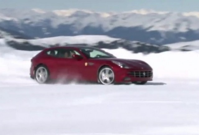 VIDEO: AutoExpress testeaza noul Ferrari FF