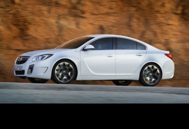 Noul Opel Insignia OPC Unlimited atinge viteza maxima de 270 km/h