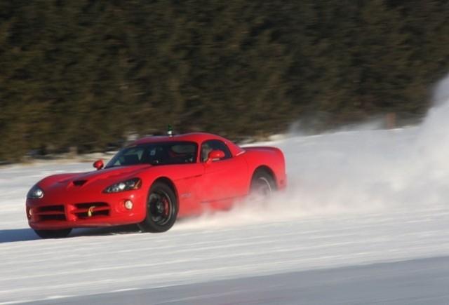 Viitoarea generatie Dodge Viper in teste
