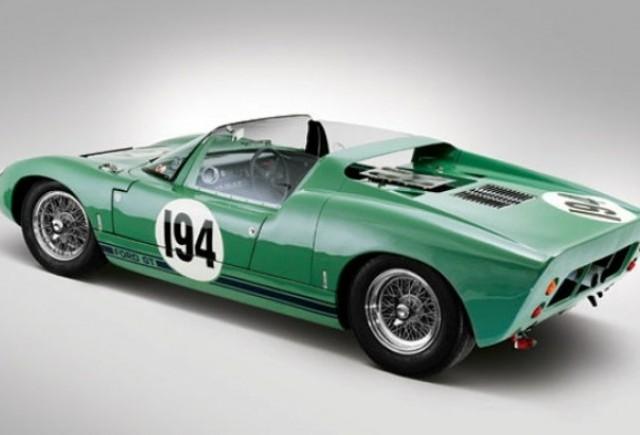 Colectionari, pregatiti carnetele de cecuri: Ford GT40 Roadster 1965, la licitatie