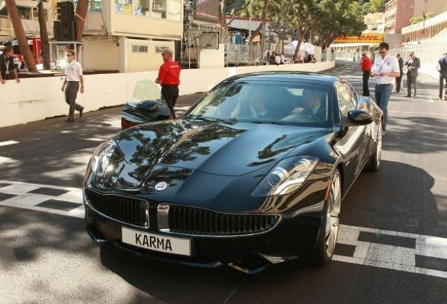 Prinţul Albert de Monaco se plimbă cu Fisker Karma.