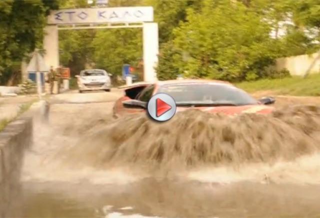 Raliul Gumball 3000  transformă Lamborghini Murcielago  într-un vehicul amfibie