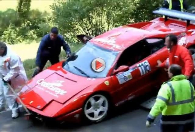 VIDEO: Ferrari 355 Challenge rupe lanţurile