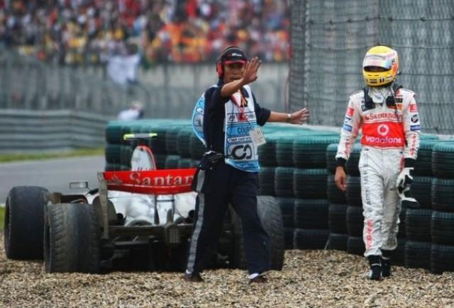 Lewis Hamilton, campion sau nebun?