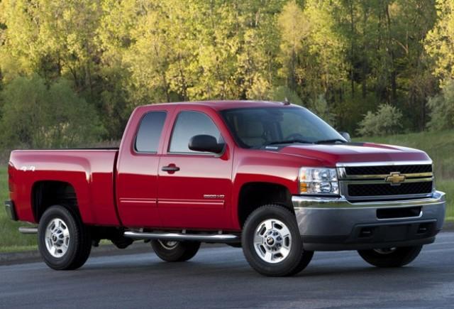 Producatorii de automobile ingrijorati de stocurile de camionete