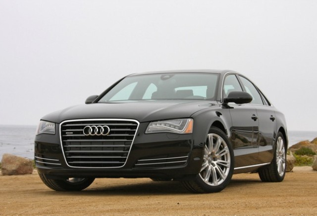 Audi A8 este noul star din Transporter