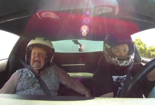 VIDEO: Cum ar reactiona mama ta daca ai plimba-o cu o Corvette Z06?