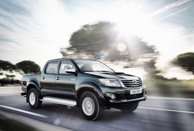 Noul Toyota Hilux, un design nou si mai multa putere
