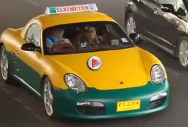 VIDEO: Taxi Porsche Boxter  ia prin surprindere Bangkokul