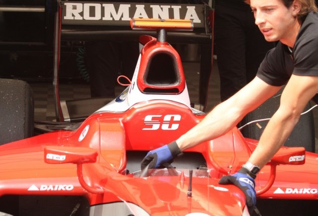 Galerie foto cu pilotul nostru din antecamera F1. Vezi cine e!