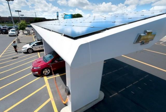 Chevrolet foloseste energia solara pentru a-si incarca masinile