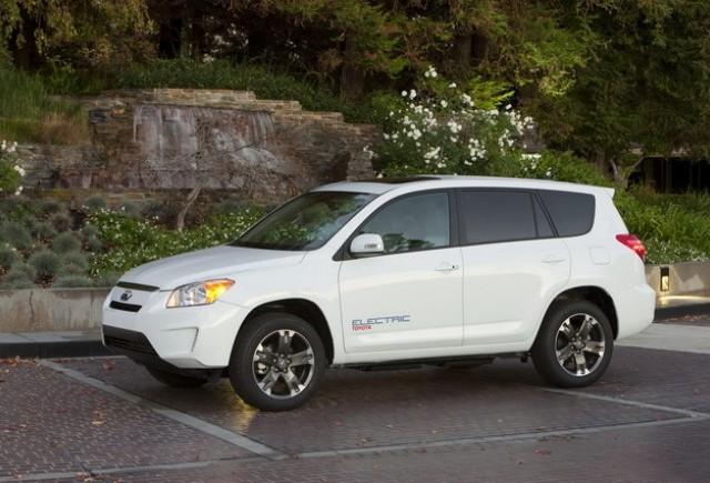 Toyota va construi RAV4 EV in Canada