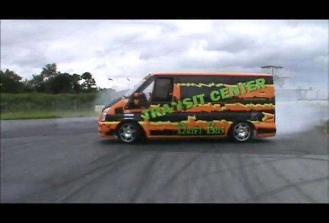 Drifturi cu Ford Transit V8