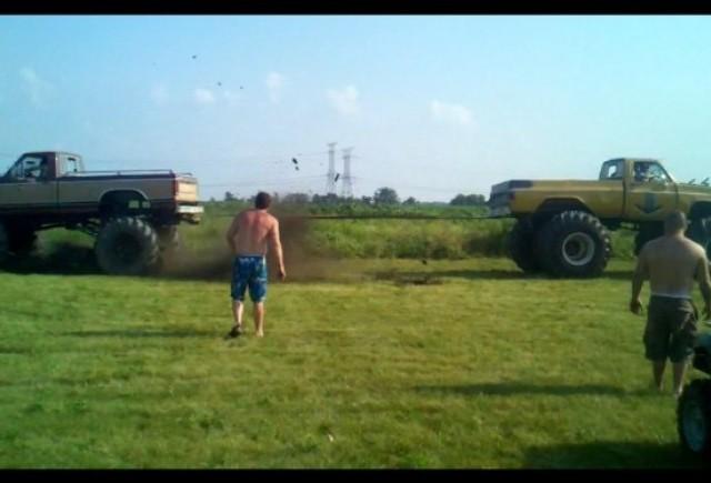 VIDEO: Ford versus Chevrolet pe viata si pe moarte!