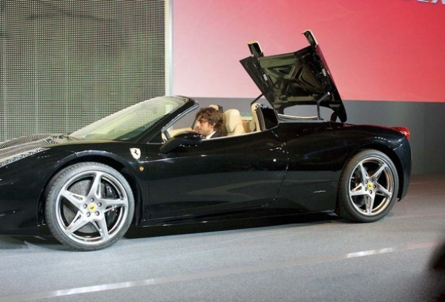 Ferrari 458 Spider prezentat la Maranelo