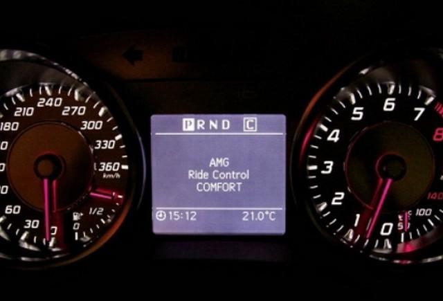 Mercedes-Benz SLS AMG cu AMG Ride Control