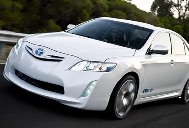 Toyota retehnologizeaza linia de productie Camry
