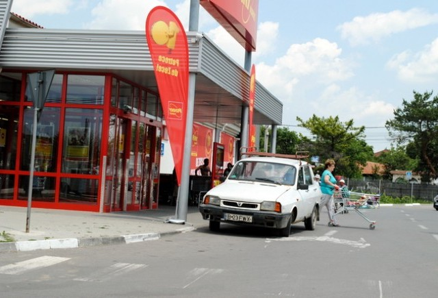 Tarani fara frontiere (48): N-ai parcare in fata, n-ai parte!