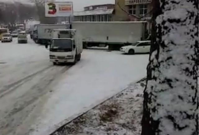 VIDEO: Iata ce patesti daca n-ai cauciucuri de iarna