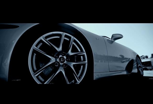 Video: Primul Lexus  LFA disponibil pentru public