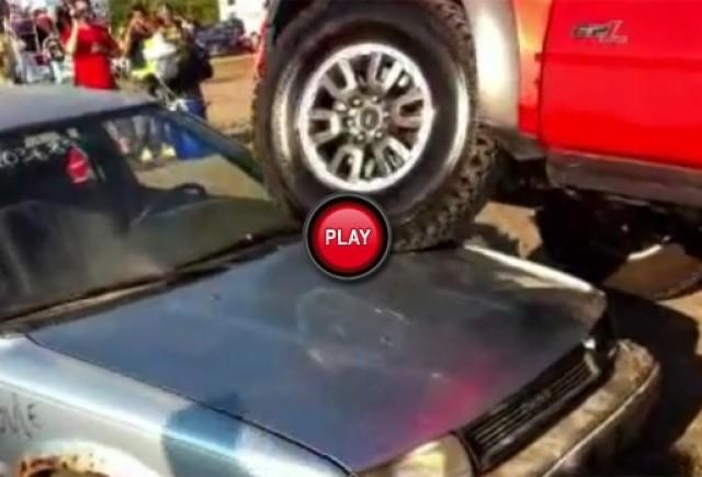 VIDEO: Cum sa trecem peste o Toyota